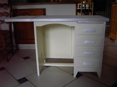 Peinture effet base cas ine mat profond liberon argile - Peinture caseine meuble ...