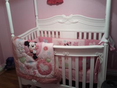 Disney Minnie Sitting Pretty 3 Piece Crib Bedding Set
