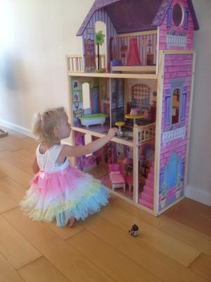 Kidkraft kayla poppenhuis kidkraft speelgoed for Barbiehuis meubels