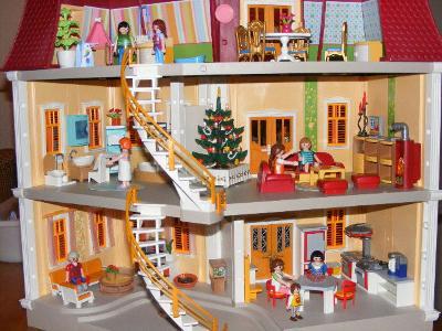 Playmobil groot woonhuis 5302 playmobil for Groot poppenhuis