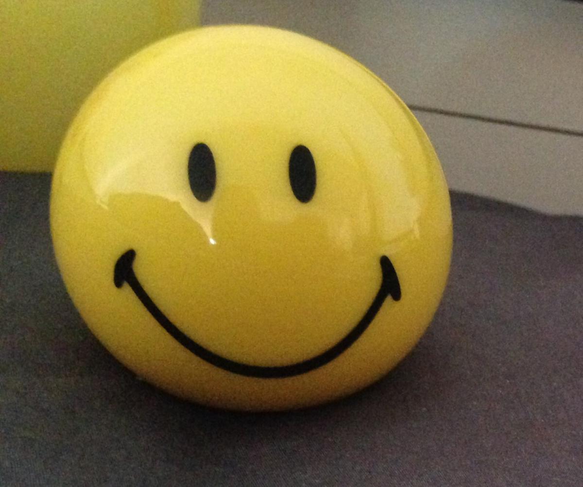 0e0d881fd74 bol.com   Bigben BT15 - Bluetooth Speaker - Smiley Smile