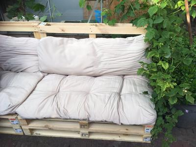 Houten Paletten Bank : Pallet bank kussens great pallet loungebank maak eenvoudig je