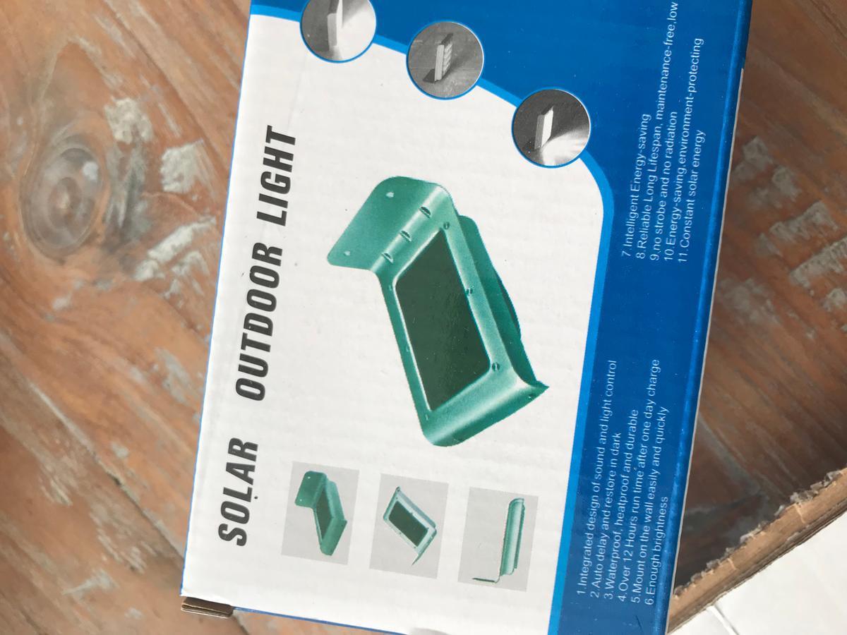 Solar Lampen Blokker : Bol solar led wandlamp met nachtsensor en bewegingssensor