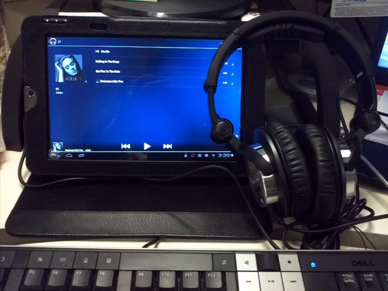 ultrasone hfi 580 closed back stereo headphones hfi 580 b h. Black Bedroom Furniture Sets. Home Design Ideas