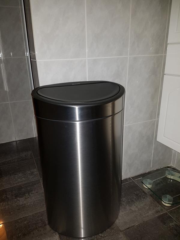 Brabantia Prullenbak 40 Liter.Touch Bin New 40 Liter Metallic Grey