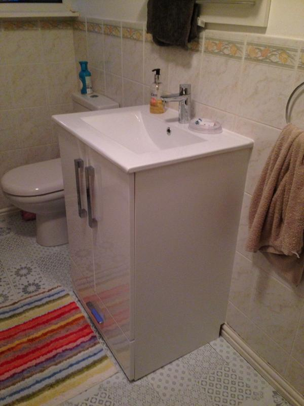 Cooke Lewis Kiddie Step Gloss White Vanity Unit Basin Set Departments Diy At B Q