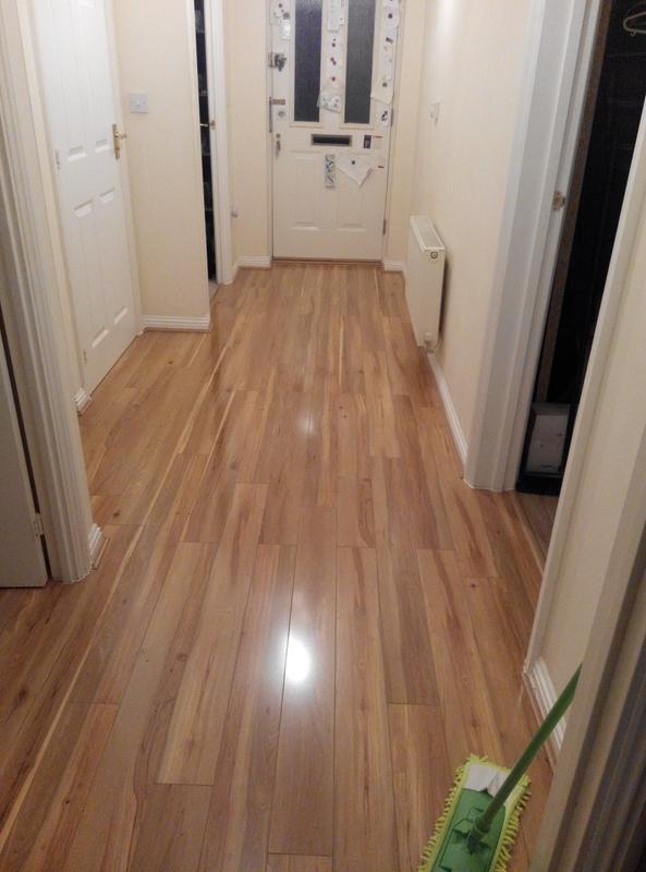 Dolce Walnut Effect Laminate Flooring B Q Laminate Flooring Ideas
