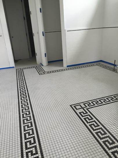 Merola Tile Metro Greek Key Matte White And Black Border 8 In X 10 1 2 5 Mm Porcelain Mosaic Fxlmmgkb At The Home Depot Mobile