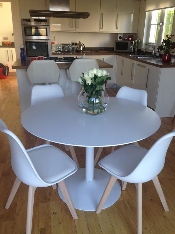 LANCE Dining Set With Oak Table And 4 Jerry Black Chairs