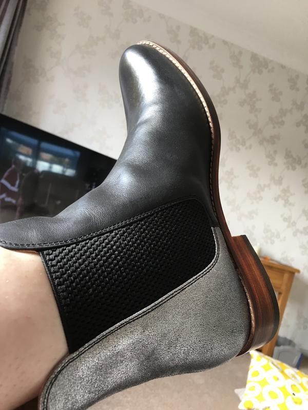 e1d8b9ba14088 Westbourne SILVER Leather Chelsea Boots | Joules UK