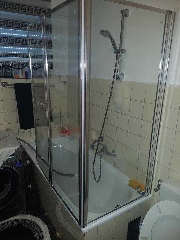 Badewannenaufsatz mit Handtuchhalter Mela III Echtglas 140 cm x 166 4 cm