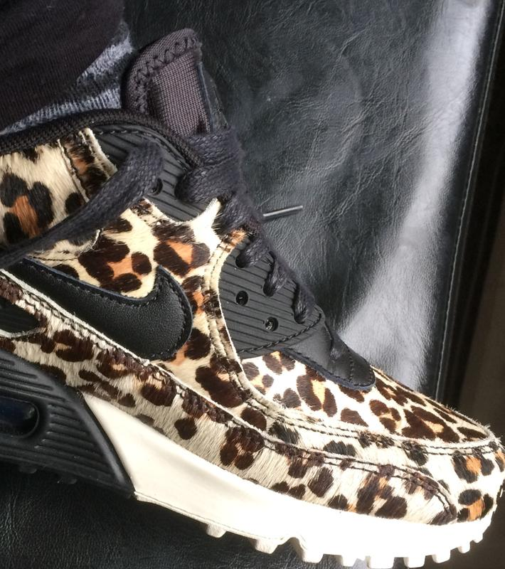 Nike Air Max 90 Snow Leopard Black Sail Hers trainers