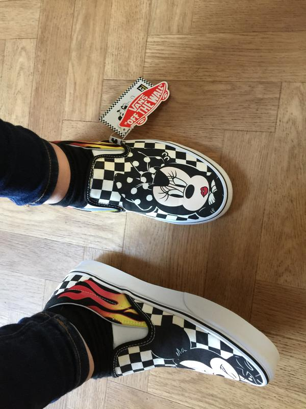 Vans Vans Classic Slip On Trainers Mickey And Minnie Checker Flame ... 95efa9ee6