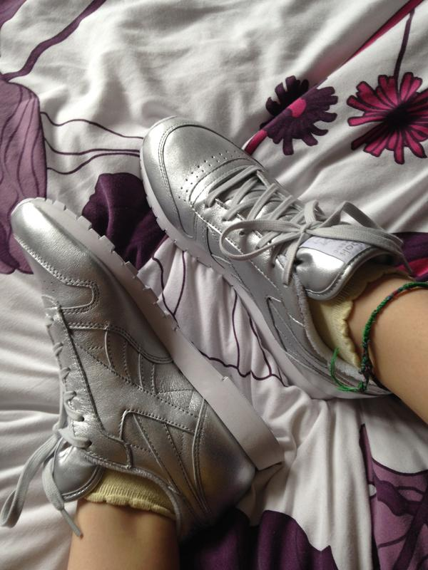 48d6802e8bfb4c New beauties! Originally posted on Reebok Classic Leather (w) PRESENCE  SILVER FACE