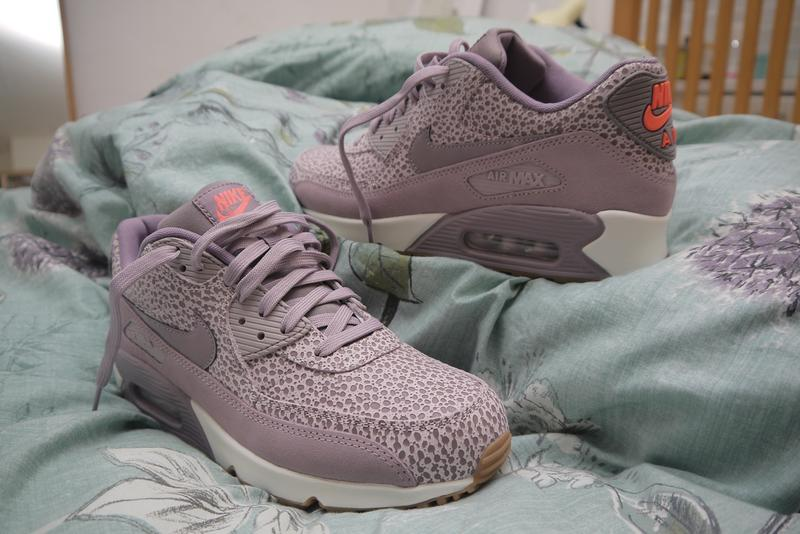 815af1b81 Colourful and comfy too! Originally posted on Nike Air Max 90 (w) PLUM FOG  PURPLE SMOKE BLEACHED LILAC PRM