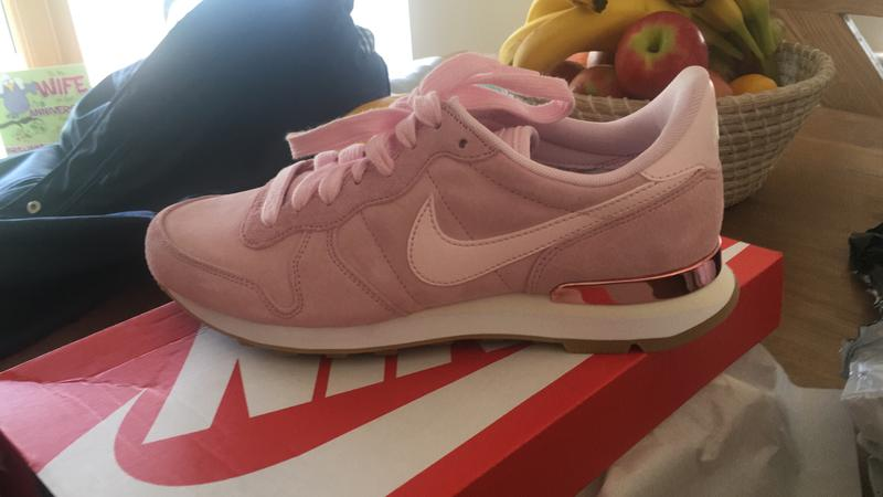 new style 3ee80 2bc51 Review photo 1. Originally posted on Nike Internationalist PRISM PINK ...