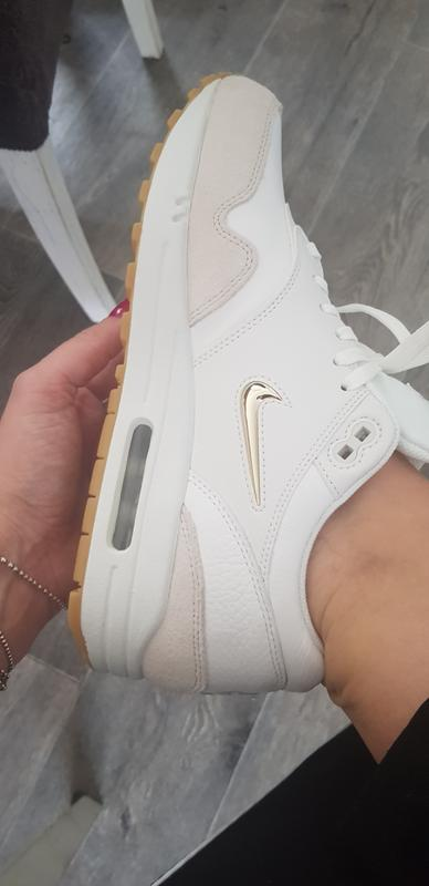 competitive price 32706 5ef19 Air max 1 White Summit. Originally posted on Nike Air Max 1 Jewel SUMMIT  WHITE METALLIC GOLD STAR