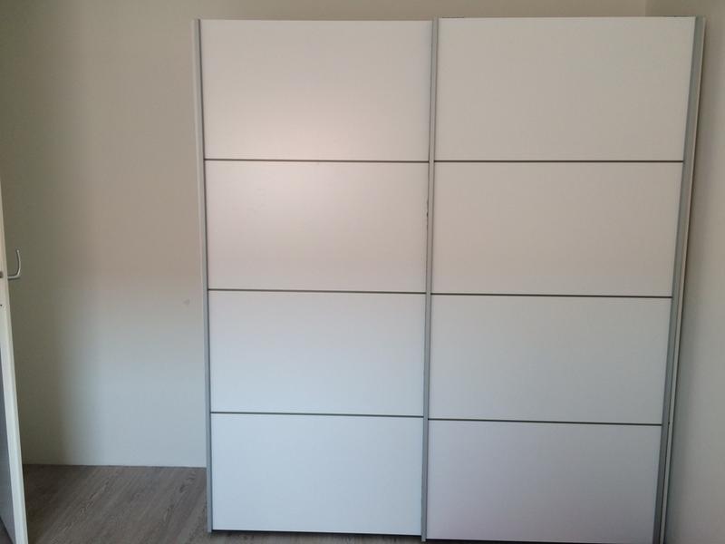 Schuifdeurkast Verona Wit 200x182x64 Cm