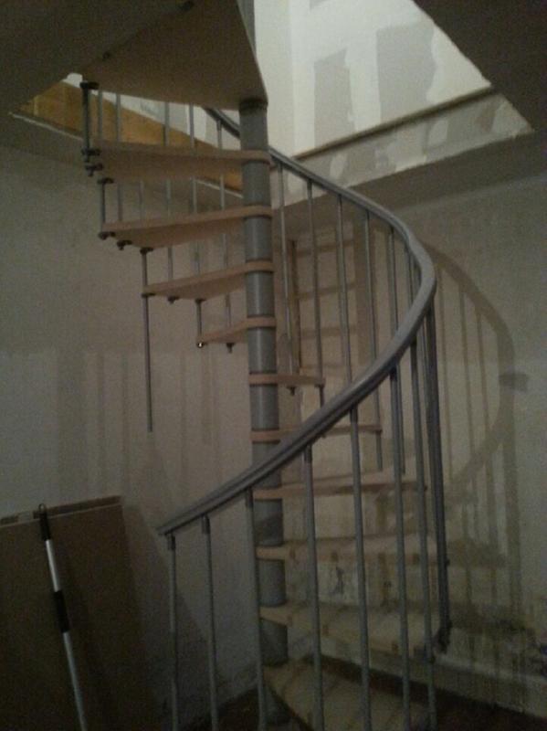 escalier colima on rond nice structure m tal marche bois leroy merlin. Black Bedroom Furniture Sets. Home Design Ideas