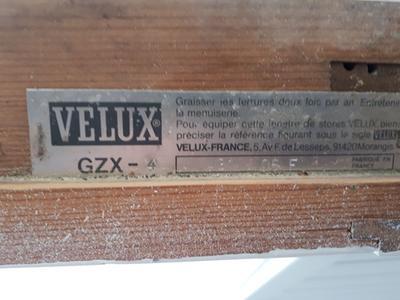 Store Velux Occultant Manuel Noir Dkl S06