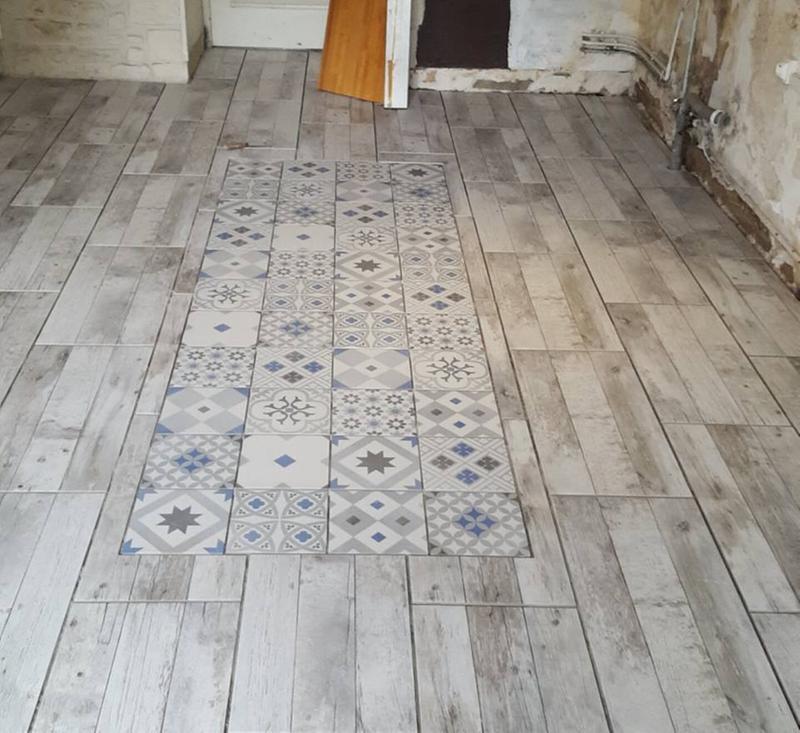Carrelage sol et mur gris effet ciment gatsby x cm leroy merlin for Faience salle de bain ton gris