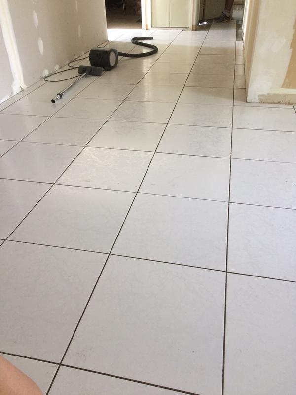Carrelage sol et mur blanc effet marbre polaire x l for Carrelage 30x30 beige