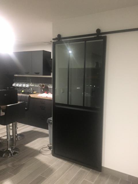 b3287b33d0c Porte coulissante aluminium noir Atelier verre clair ARTENS
