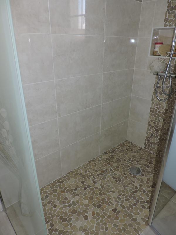 colle et joint poxy pour carrelage et mosa que mur et sol 2 5 kg blanc leroy merlin. Black Bedroom Furniture Sets. Home Design Ideas