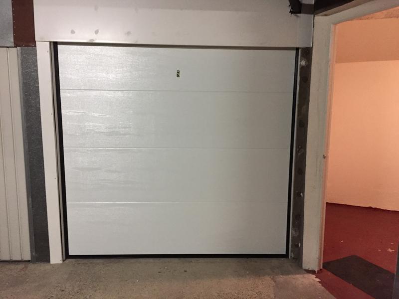 Porte de garage sectionnelle motoris e primo x cm leroy merlin - Leroy merlin sav ...