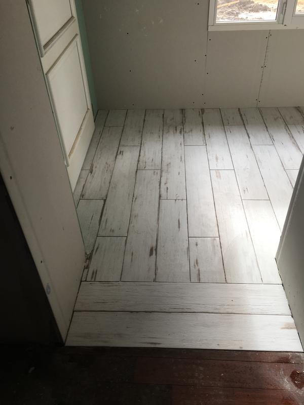carrelage sol et mur blanc effet bois cabane x cm leroy merlin. Black Bedroom Furniture Sets. Home Design Ideas