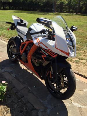 Continental Road Attack 2 EVO Front Tire | MotoSport