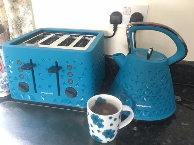 Great Kettle And Matching Toaster