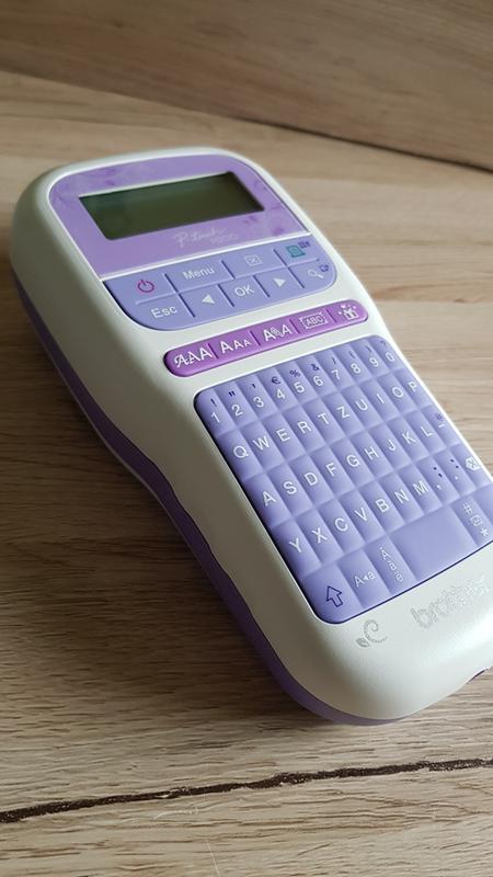 Brother mobiles P-touch H200 Beschriftungsgerät// Etikettendrucker in Lila// Weiß