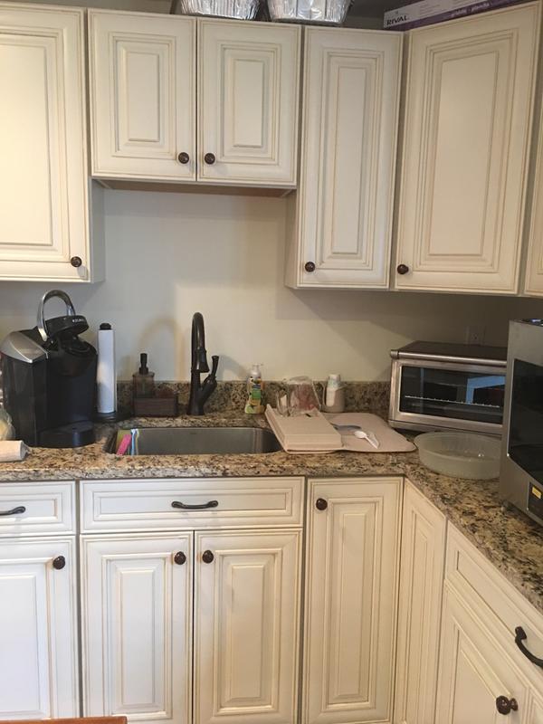 Perfect Shenandoah Butterscotch Glaze Cabinetry