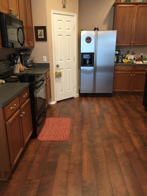 Pergo Outlast With Spillprotect Java, Pergo Antique Cherry Laminate Flooring