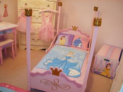 KidKraft Princess Toddler Bed Pink