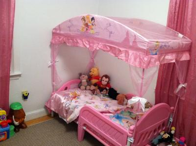 & Disney Princess Toddler Bed with Canopy - Walmart.com