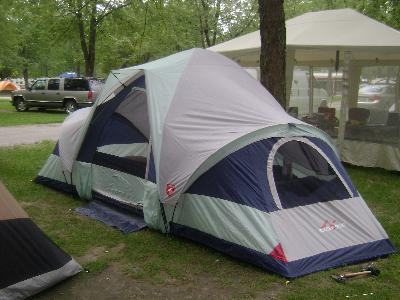 66 Hy Cer Two Person Tent With Carry Bag