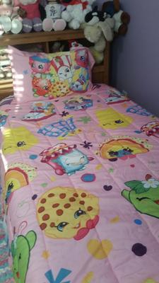 shopkins bed in a bag 5 piece twin bedding set with bonus tote walmartcom