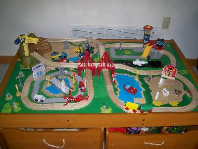 KidKraft Ride Around Town Train Set & Table with 100 accessories ...