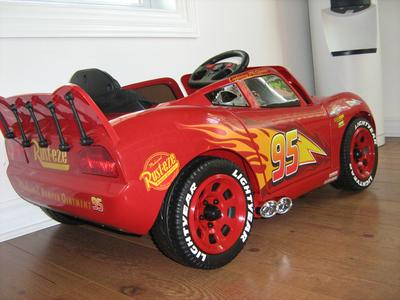 Disney Pixar Cars Lightning Mcqueen Battery Powered Ride On