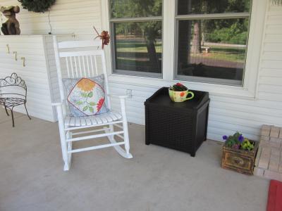 Great Suncast 22 Gallon Java Resin Wicker Small Storage Seat Deck Box SSW1200    Walmart.com
