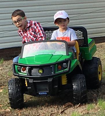 Peg Perego John Deere Gator Xuv Volt Battery Powered Ride On