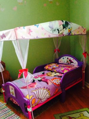 Minnie Mouse Bow Tique Toddler Bed With Canopy