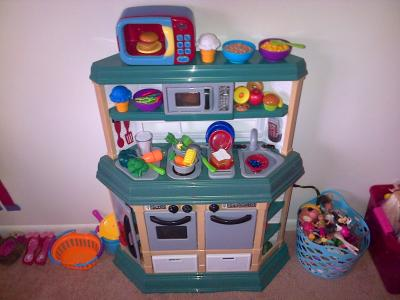 american plastic toys cookin u0027 kitchen with 22 accessories   walmart com american plastic toys cookin u0027 kitchen with 22 accessories      rh   walmart com