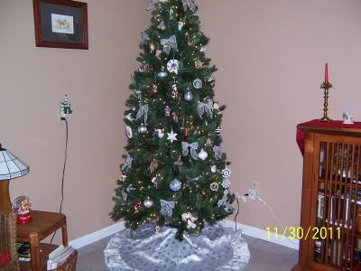 Self Leveling Christmas Tree Stand