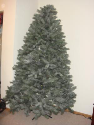 Holiday Time Unlit 7.5' Donner Fir Artificial Christmas Tree ...