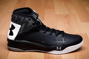 sale retailer 750cf 92259 Zapatos de Basketball UA Rocket 2 para Hombre