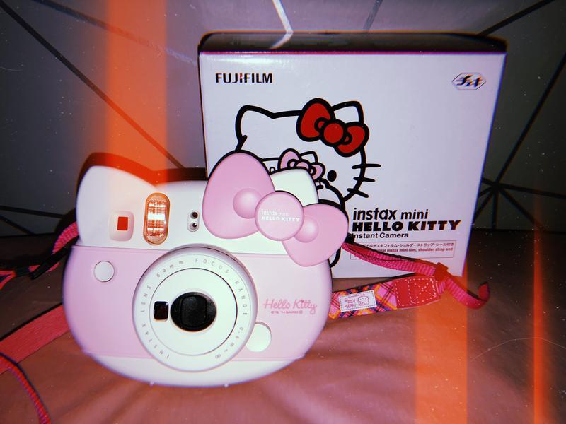 Polaroid Camera Urban Outfitters Uk : Fujifilm instax™ mini hellow kitty instant camera urban