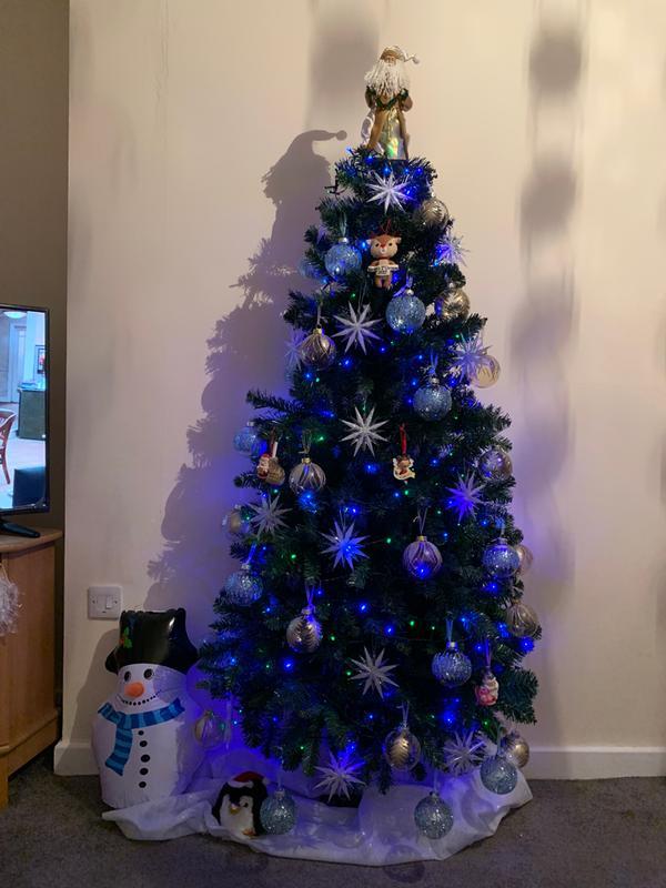 Half Christmas Tree.6ft Space Saving Half Christmas Tree